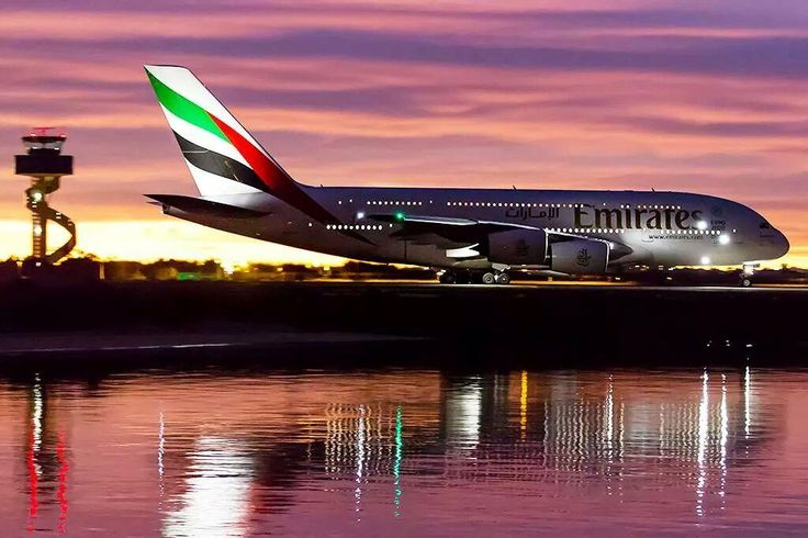 Night flight - Emirates A380