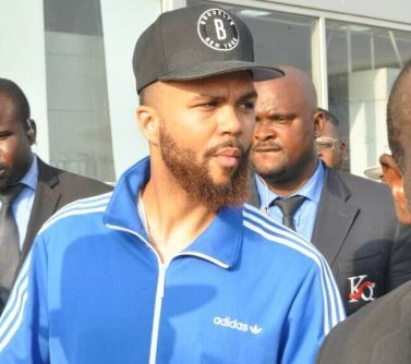 Photos: Singer Jidenna lands in Nigeria surrounded by heavy security http://ift.tt/2z58zn5