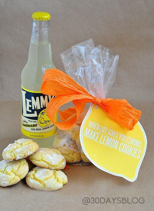 When life gives you lemons, make lemon cookies! Easy lemon cookie recipe from a cake mix and cute lemon printable. | www.thirtyhandmadedays.com