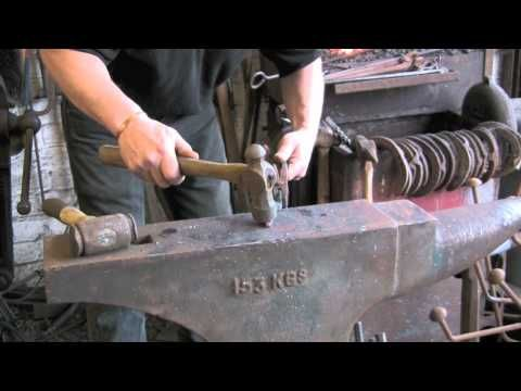25+ best ideas about Blacksmith tongs on Pinterest ...
