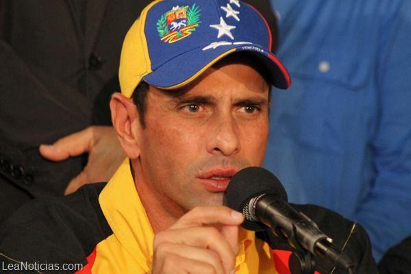 Capriles repudia la lista que tiene el Gobierno con los destinos vacacionales de los líderes opositores - http://www.leanoticias.com/2014/01/03/capriles-repudia-la-lista-que-tiene-el-gobierno-con-los-destinos-vacacionales-de-los-lderes-opositores/