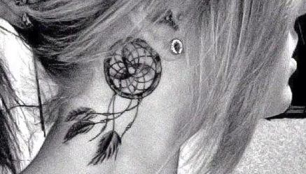 13 fotos de tatuagens de filtros de sonhos - Parte 1: Tattoo Placements, Tattoo Ideas, Dreams Catcher Tattoo, Neck Tattoo, Dreamcatchers Tattoo, Ears, Dreamcatchertattoo, A Tattoo, Tattoo Design
