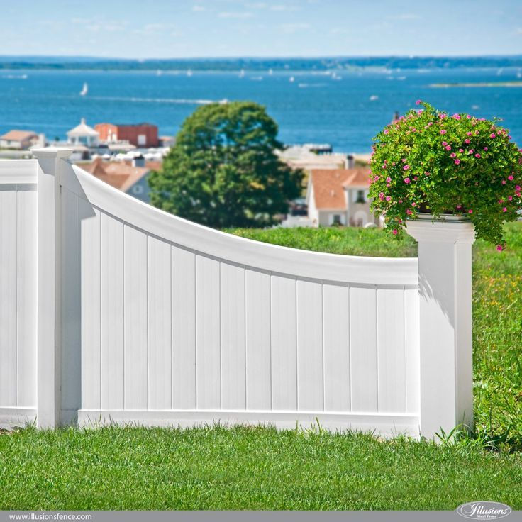 42 Vinyl Fence Home Decor Ideas For Your Yard Illusions Fence Vinyl Privacy Fence Vinyl Fence White Vinyl Fence