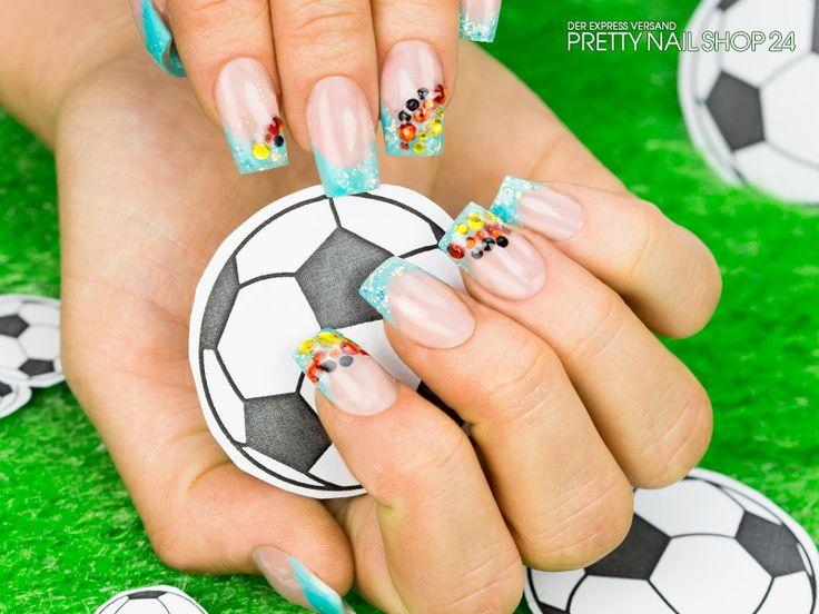 """#soccer #wm #nails #naildesign Morgen um 18 Uhr spielt die deutsche Mannschaft wieder. Um unsere Mannschaft anzufeuern, darf natürlich die passende Nailart nicht fehlen. Mit dem Farbgel türkis (Artikel Nr. 2135), dem Illusion Glitter Crystal (Artikel Nr. 4703) und ein paar Strasssteinen (Artikel Nr. 494) seid ihr garantiert """"up to date"""". Eure Nina"""