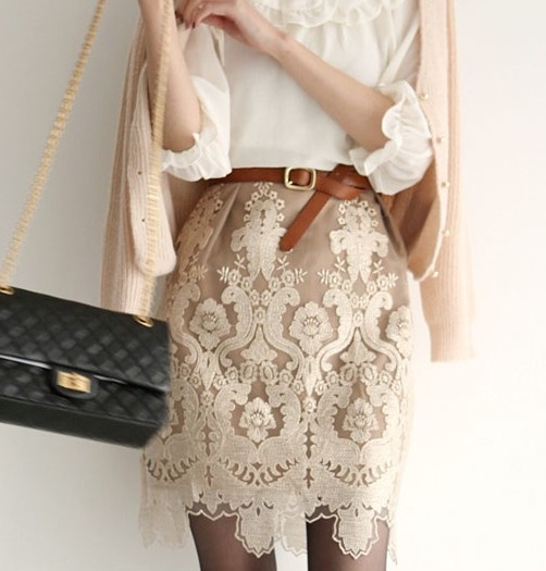 Ohhh love: Wear Lace, Fashion Consciousness, Amazing Skirts, Pretty Wear, Lace Details, Leather Belts, Lace Patterns, Lace Skirts, Lace Fashion
