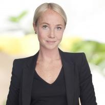 Hej jag heter Angelica Liljeqvist och jobbar som mäklare på Notar Bromma & Spånga. Andra områden jag är proffs på är Ekerö med omnejd.