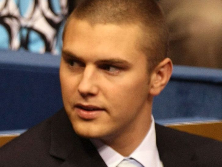 Track Palin Arrested for Assaulting His Father, Sarah Palin Called Cops