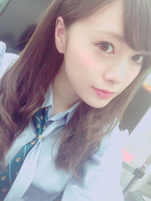 """asheron02: """"Mobile Mail From Maiyan 2016-05-14 白石麻衣モバメ原文 制服(⌒▽⌒) 今は味付たまごを食します。 Maiyan's Mobame Translation Uniform(⌒▽⌒) I'm eating a marinated soft boiled egg right now. """""""