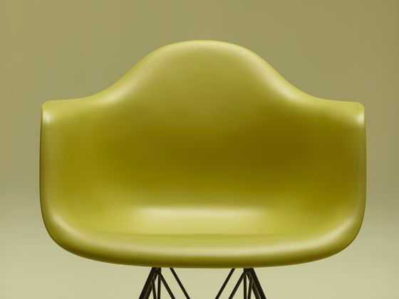 Charles And Ray Eames Plastic Armchair DAR