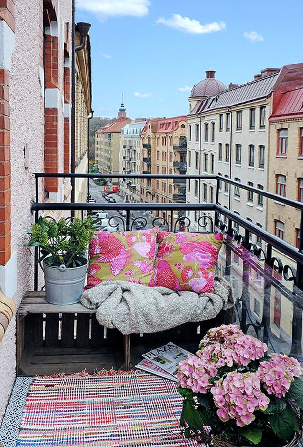 57 best Balcons cosy images on Pinterest Balconies, Balcony ideas - toile a tendre pour terrasse