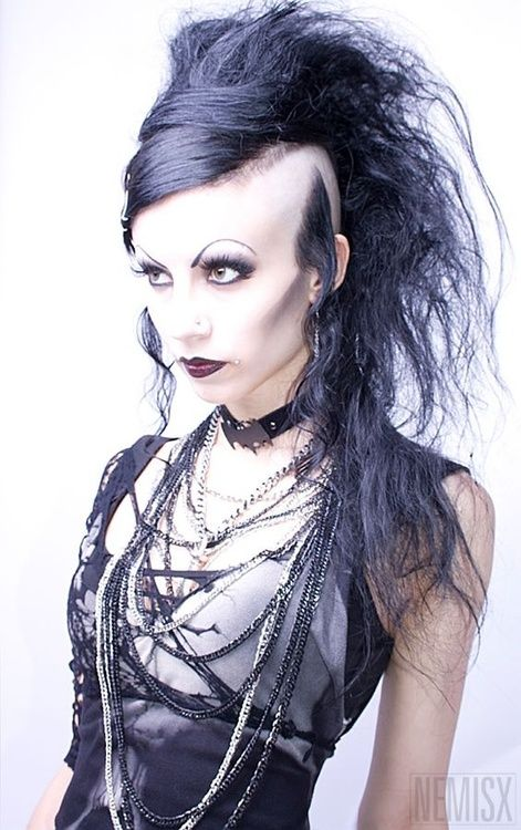 Hairstyle Of Death : Death-hawk on #Goth girl NemisxGoth Girls, Death Hawks, Deathrock ...