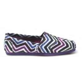 Chevron Toms!!! Online exclusive! That means you can't find this style in stores or anywhere else. Just here (while they last).  No, we're not putting gas company logos on our shoes! The colorful zig-zag pattern on printed canvas is called a Chevron Print.