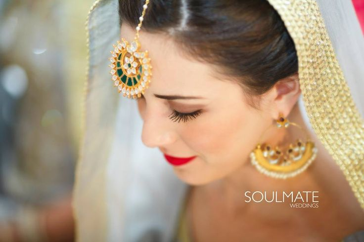 """😍 Soulmate Weddings """"Daisy ki Doli"""" album  #weddingnet #wedding #india #indian #indianwedding #ceremony #indianweddingoutfits #outfits #backdrops #prewedding #photographer #photography #inspiration #gorgeous #fabulous #beautiful #jewellery #jewels #details #traditions #accessories #lehenga #lehengacholi #choli #lehengawedding #lehengasaree #saree #bridalsaree #weddingsaree #tikka #earrings #pune #gold #darkblue"""