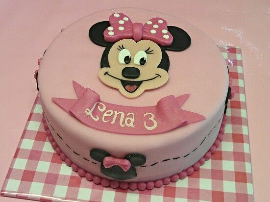 Minie mouse cake www.dezoetetaart.com