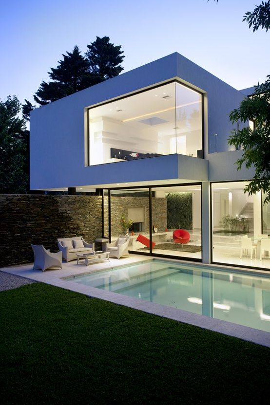 Casa carrara is a minimalist design by architecture firm andres remy arquitectos situated on an irregular lot in pilar buenos aires argentina