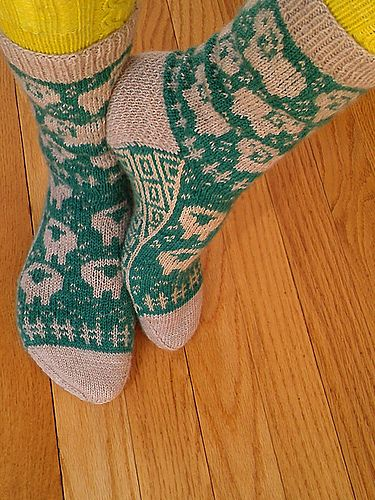 Ravelry: A Flock For Your Feet pattern by revi