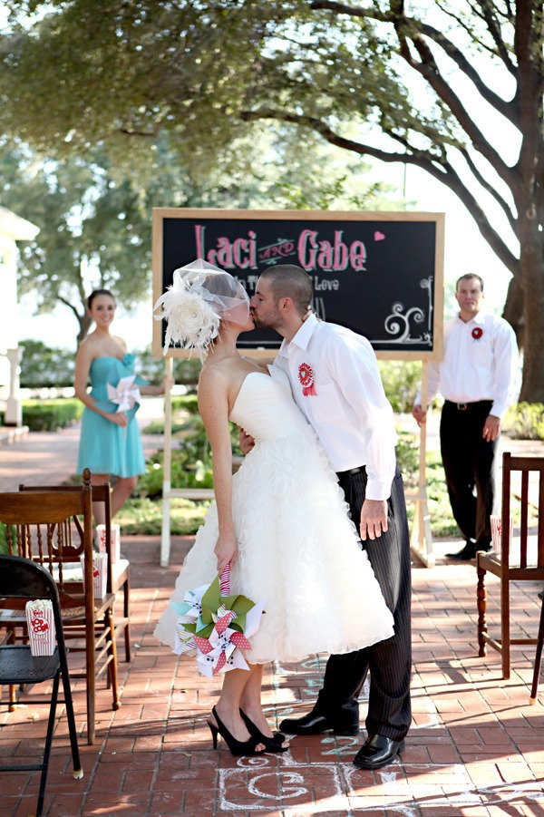 Of Love Photo Shoot By Katie Cidy Photography Each Every Detail Llc 50s Wedding