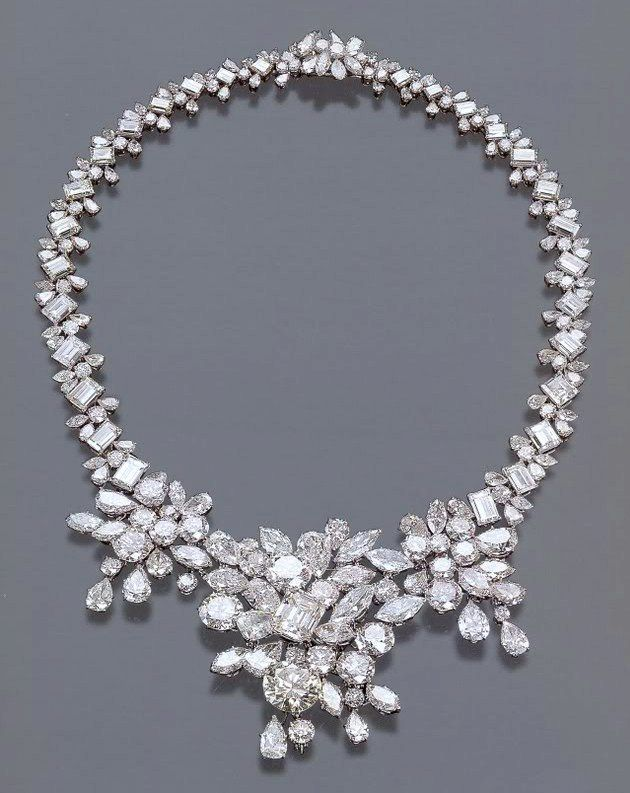 Stunning!!! {Diamond riviere Sold in 2000 upon the death of H.H. Begum Om Habibeh Aga Khan}