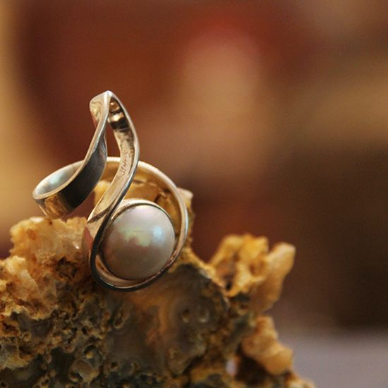 Freshwater Mabel Pearl | Silver Ring