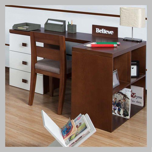 ESCRITORIO BLANCO PARA NIÑOS E-06 Escritorio moderno en blanco. Con su simplicidad crea un espacio acogedor y funcional gracias a los tres cajones y biblioteca que los unen. No inlcuye la silla. Todos nuestros muebles son hechos a mano y terminados con lacas no tóxicas.