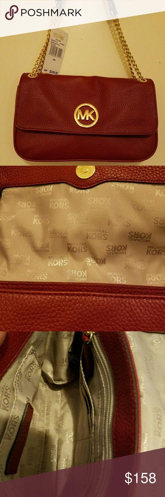 ???MICHAEL KORS SHOULDER BAG??? Fulton small shoulder flap leather bag perfect for valentine's day Michael Kors Bags Shoulder Bags