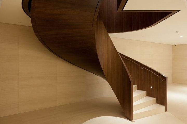 Шикарный дизайн лестницы офиса Bic Banco в Сан-Паулу