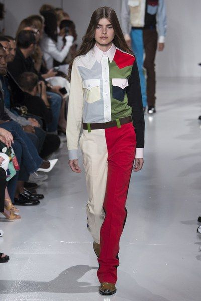 See the entire Spring 2018 collection from Calvin Klein.