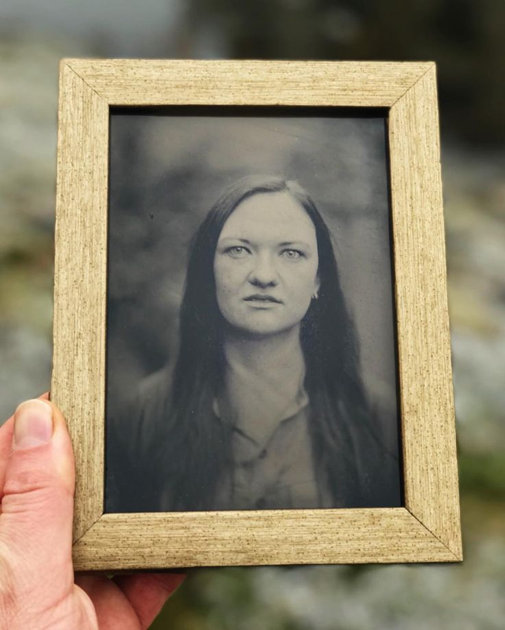 Ambrotype portrait on black glass @inga_gaile  #ambrotype #framedart #wetplate #collodion #trebic #analogportrait #kolodium #originalartwork #eastman #kodak #iphone7plus #portraitmode