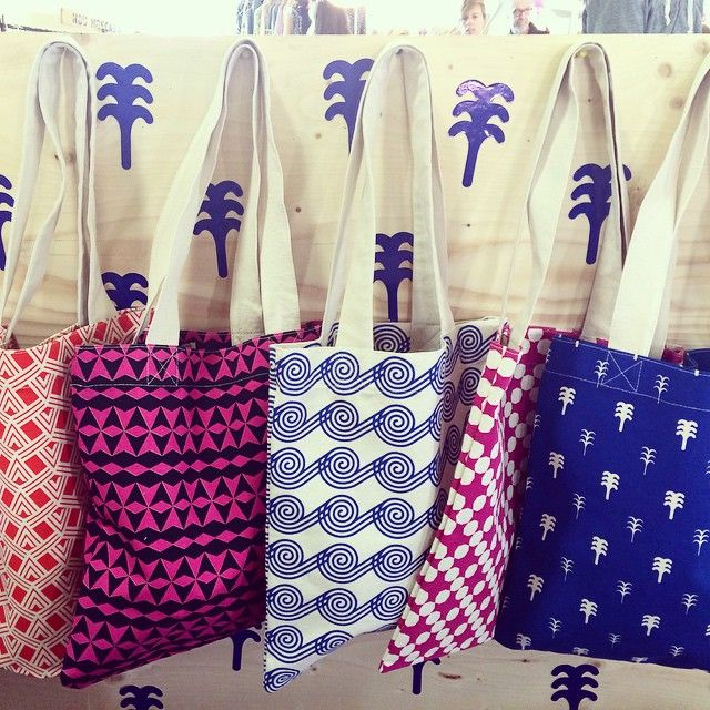 Summer's calling!! All our canvas totes are printed by hand in #Madrid with eco-friendly inks  #denissecarbo #nomadamarket2015 #printedbyhand #serigrafia #serigrafiamanual #screenprinted #madeinspain #spanishdesign #handmade #canvastotes #totes #accessories #SS2015