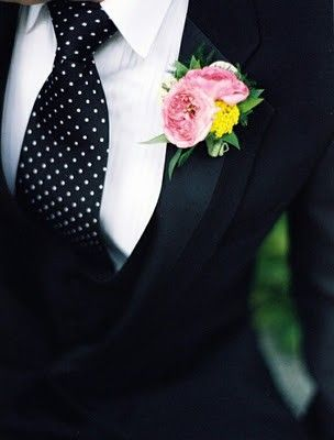 Black and White Polka Dot Tie for the Groom  #CupcakeDreamWedding