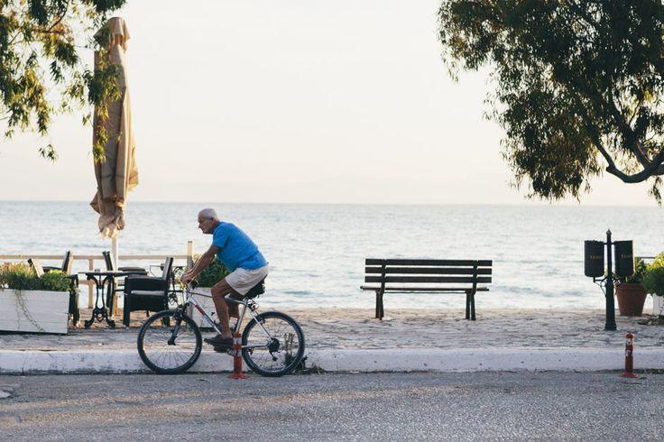 Η ζωή... ποδήλατο! Χρόνια δεν κοιτάει.. #arive #photo #17_09_13 www.arive.gr/photos.html