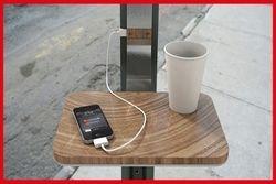telefoonladers bij de terrasjes?