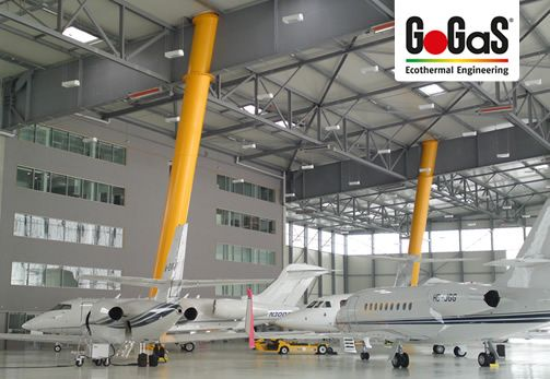 GoGaS Hangar heating: High intensity heaters from GoGaS operate even over a long distance, here in an aircraft hangar. For further information visit www.gasstrahler.de or www.gas-infrarot.com.