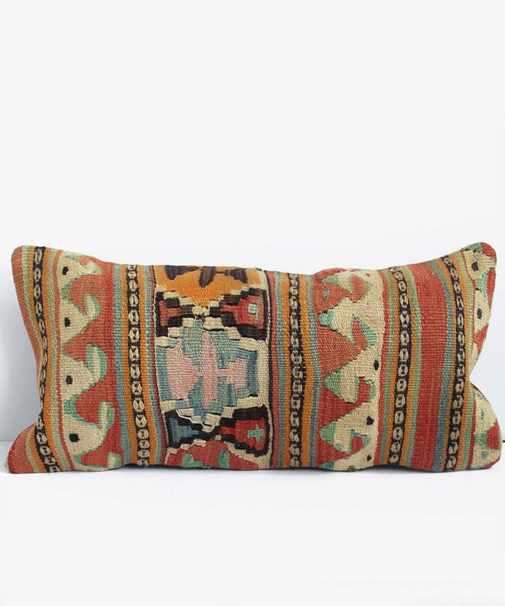 best 25 kilim pillows ideas on pinterest aztec pillows kilim cushions and kilims. Black Bedroom Furniture Sets. Home Design Ideas