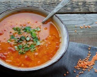 Mijoté facile de lentilles à la tomate pimentée : http://www.fourchette-et-bikini.fr/recettes/recettes-minceur/mijote-facile-de-lentilles-la-tomate-pimentee.html