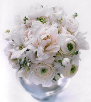 anemone flower arrangements | white anemone and peony #wedding flower arrangement