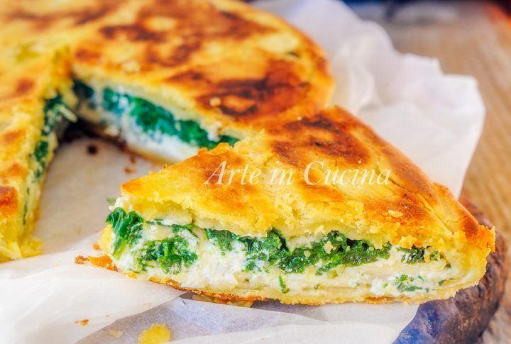 Pizza rustica spinaci e ricotta, ricetta piatto unico veloce, sfoglia all'olio, senza burro, senza lievito, torta salata, ricetta per cena, antipasto, formaggio