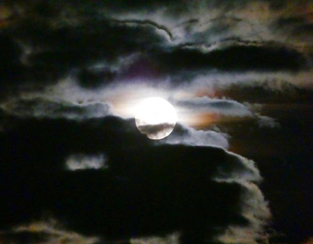 Supermoon: New Year's Day 'Wolf Moon' Will Be First Of 2018 - Samaa TV