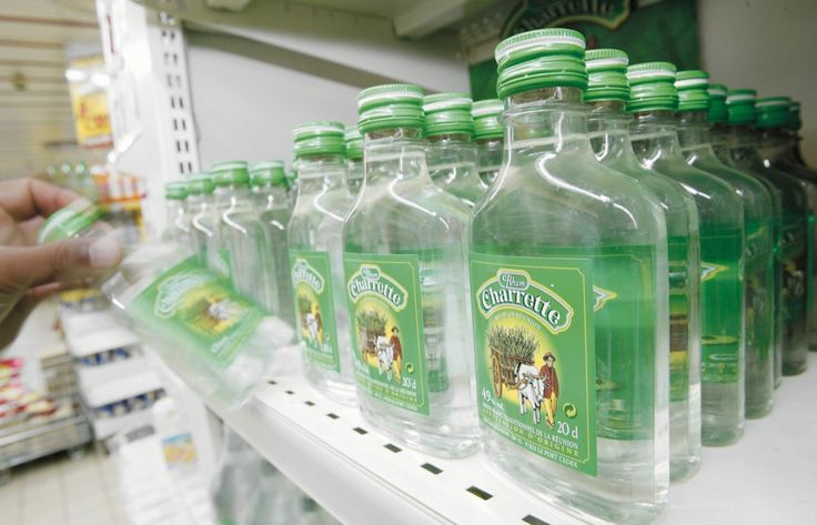 Pile plate - Rhum Charrette. . Vu sur le web. Rhum Charrette bouteille, cubi et flasque disponible sur www.yumhbox.com