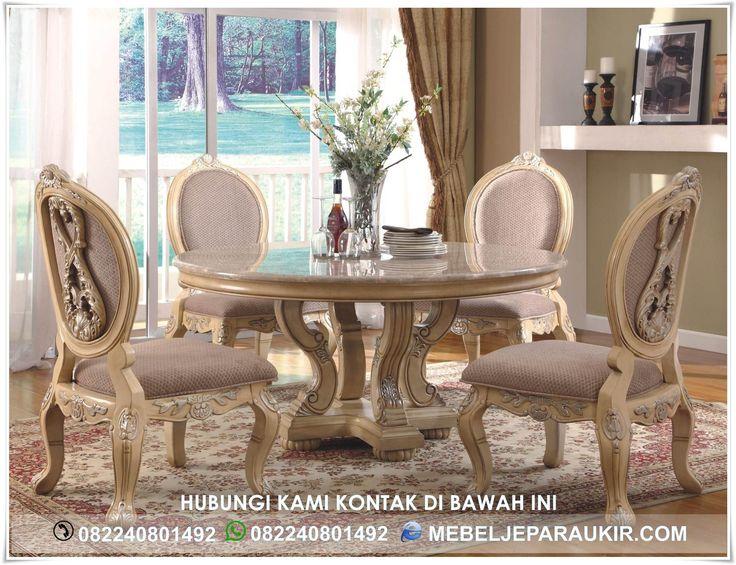 Meja Makan Mewah Bulat 4 Kursi Ukiran – Mewujudkan salah satu impian furniture mewah yang berstandar exsport dengan nuansa mewah bisa anda pesan kepada kami. Kami produksi motif-motif mewah yang berkualitas dengan bahan baku yang standar kokoh dan tahan lama.