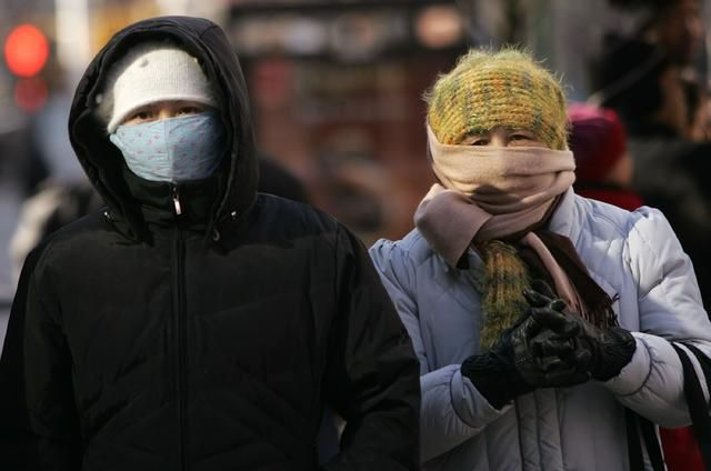 Record-Breaking Cold Grips Chicago #severe #cold, #chicago, #chicago #weather, #chicago #forecast, #illinois #weather http://north-carolina.nef2.com/record-breaking-cold-grips-chicago-severe-cold-chicago-chicago-weather-chicago-forecast-illinois-weather/  # Record-Breaking Cold Grips Chicago The warnings from government officials were stern: stay inside if you can, limit your time outside and don't drive unless absolutely necessary. Chicago's O'Hare International Airport recorded -15 degrees…