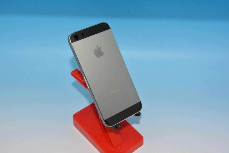 Fotos: iPhone 5S in graphit & grau (Neue Farbe!) - http://apfeleimer.de/2013/08/fotos-iphone-5s-in-graphit-grau-neue-farbe - Während die Spekulationen um die neue iPhone 5S Farbe Champagner & Gold nicht abreissen wollen kommt jetzt ganz frisch aus der Gerüchteküche eine ganz neue Farboption fürs iPhone 5S hinzu. Sonny Dickson zeigt uns das iPhone 5S in graphit-grau und auf den ersten Blick macht diese Farbe...