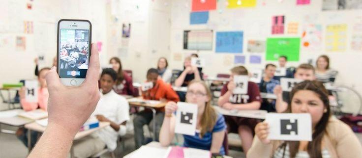 ¿Qué podemos hacer cuando el uso de la tecnología en el aula se convierte en una barrera, nos limita y se convierte en una dificultad más que salvar?  Para sesiones de trabajo que requieren un uso continuado de algún dispositivo se pueden utilizar los netbooks del aula, o se puede utilizar una sala de informática. Pero