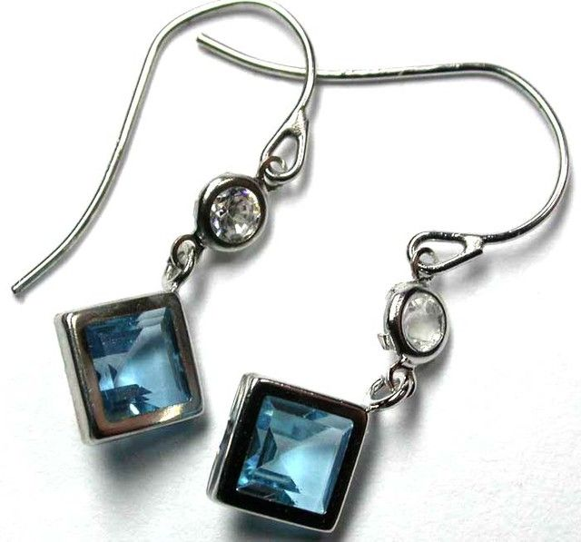 TOPAZ 10KT WHITE GOLD EARRINGS   3.70 CTS    GTJA304  NATURAL TOPAZ GEMSTONE EARRINGS SET JEWELLERY FROM GEM TRADERS,AT GEMROCKAUCTIONS