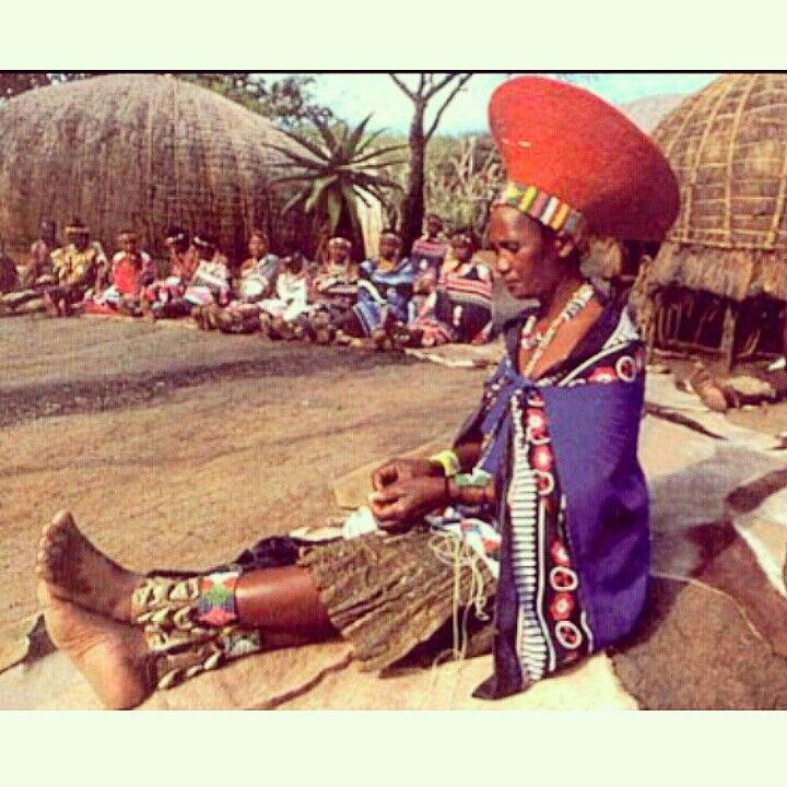 It's TaSannis Africa and we are highlighting the traditional attire worn by a Zulu bride.  The Zulu wedding tradition is one of the most popular wedding traditions in South Africa. The bride wears an Isidwaba, which is a leather kilt skirt. Along with this, she wears a flattop headdress called Inkehli and accessories with colorful beads.  #africa #ethicalfashion #fashion #africanfashion #beadwork #wedding #culture