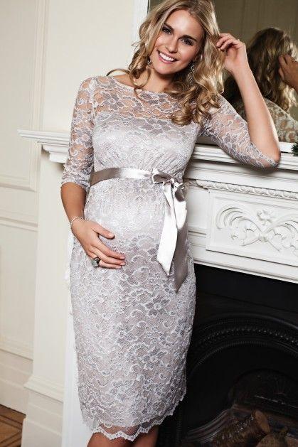 Zwanger en wil je niet in het wit, dan is zilver een mooi alternatief!