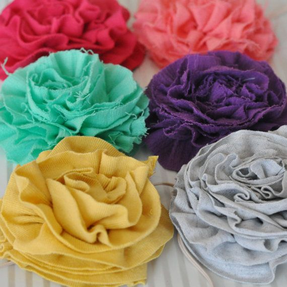 Flowers made from old t-shirts, is something that I'm going to try!