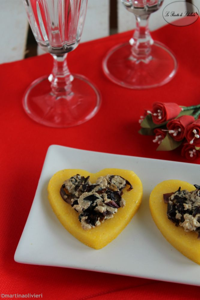 Medaglioni di polenta al radicchio