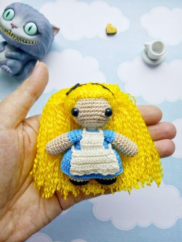 Alice in Wonderland (Disney) crochet toy amigurumi by Koshambra