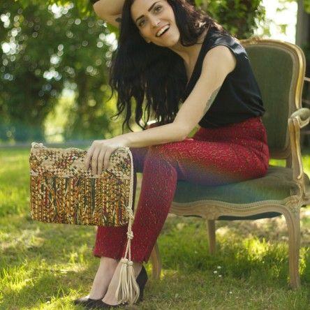 Sac PRISME Mis Wude en cuir et tissu wax. Modèle Giordana Tiberi Top et pantalon: Glam Ethnik